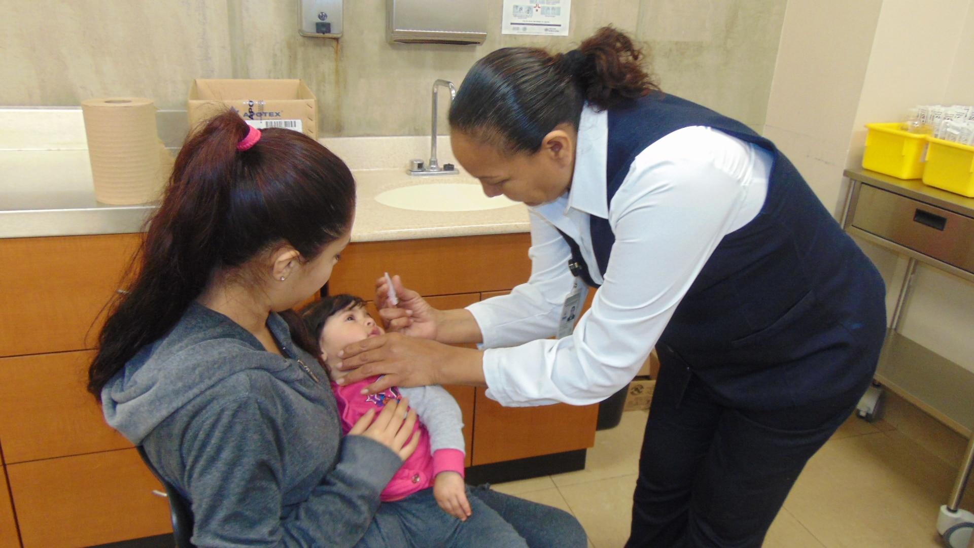 Habilitan varios módulos para vacunación en Tijuana, Tecate y Rosarito