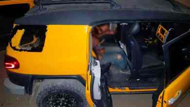Photo of Acribillan a tres al interior de un auto