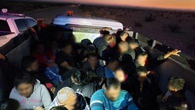 Photo of Agarran a jovencito intentando cruzar decenas de migrantes