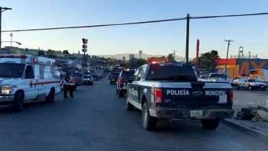 Photo of Hombre se impacta contra barda tras persecución; bala impacta a mujer