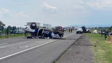 Photo of Mueren cuatro policías y 9 resultan lesionados tras volcadura