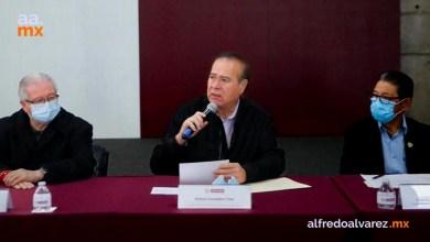Arturo-González-anuncia-aumento-salarial-a-policías-y-bomberos