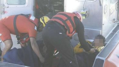 VIDEO-Decenas-van-de-paseo-y-se-hunde-embarcación-los-rescatan