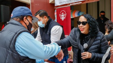 Brown-Figueredo-y-Bienestar-entregan-apoyos-a-personas-vulnerables