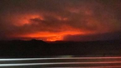 FOTOS-Volcán-entra-en-erupción-tiñe-de-rojo-el-cielo