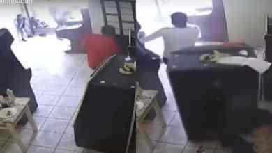 VIDEO-Asesinan-a-pareja-frente-a-niños-en-local-de-maquinitas