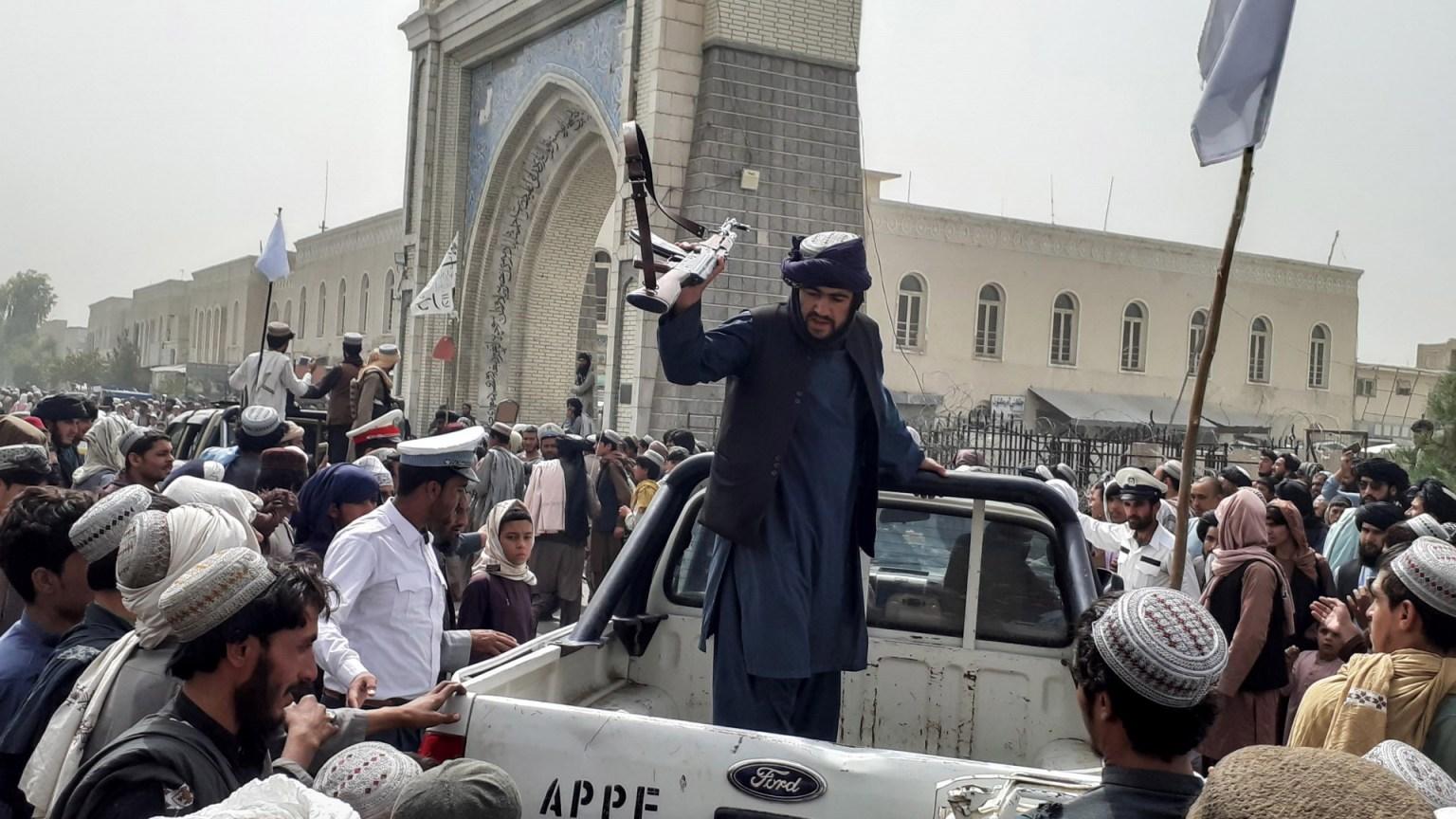 a-una-semana-de-regresar-talibanes-al-poder