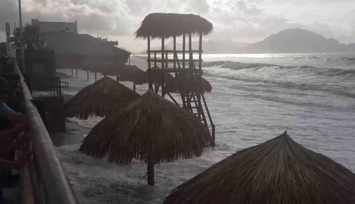 Marea-arrasa-playa-incluyente-sin-inaugurar