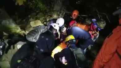 Bomberos-rescata-a-migrantes-heridos-tras-caída