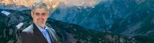 una photo de Alfredo Hernandez en las montañas