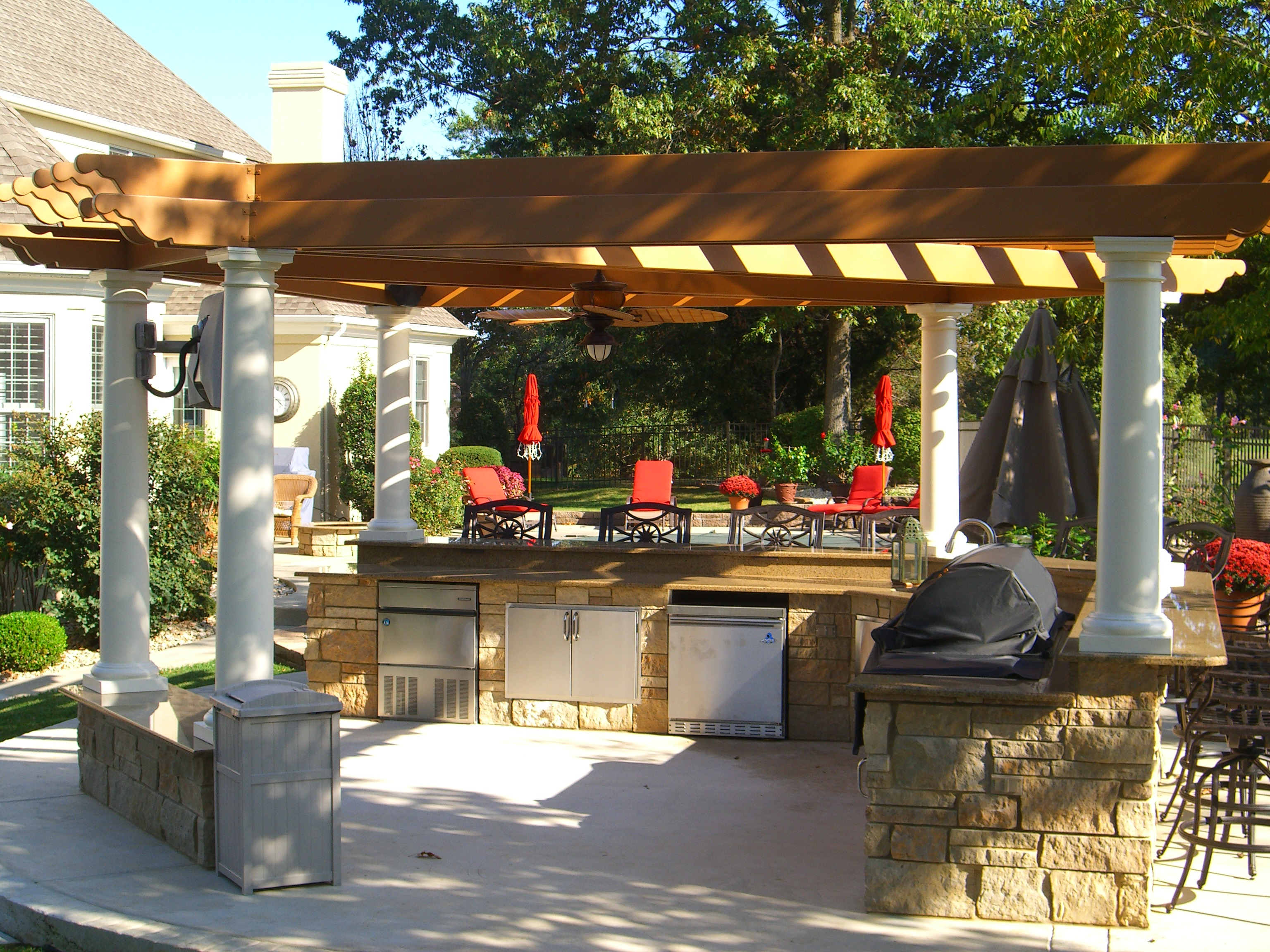 outdoor kitchen covers bar table for pergolas tejaban on pinterest covered patios