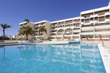 1-bedroom apartment with pool and sea view in Galé to rent