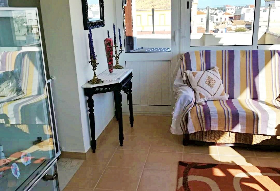 Top floor 1-bedroom apartment in Portimão to rent