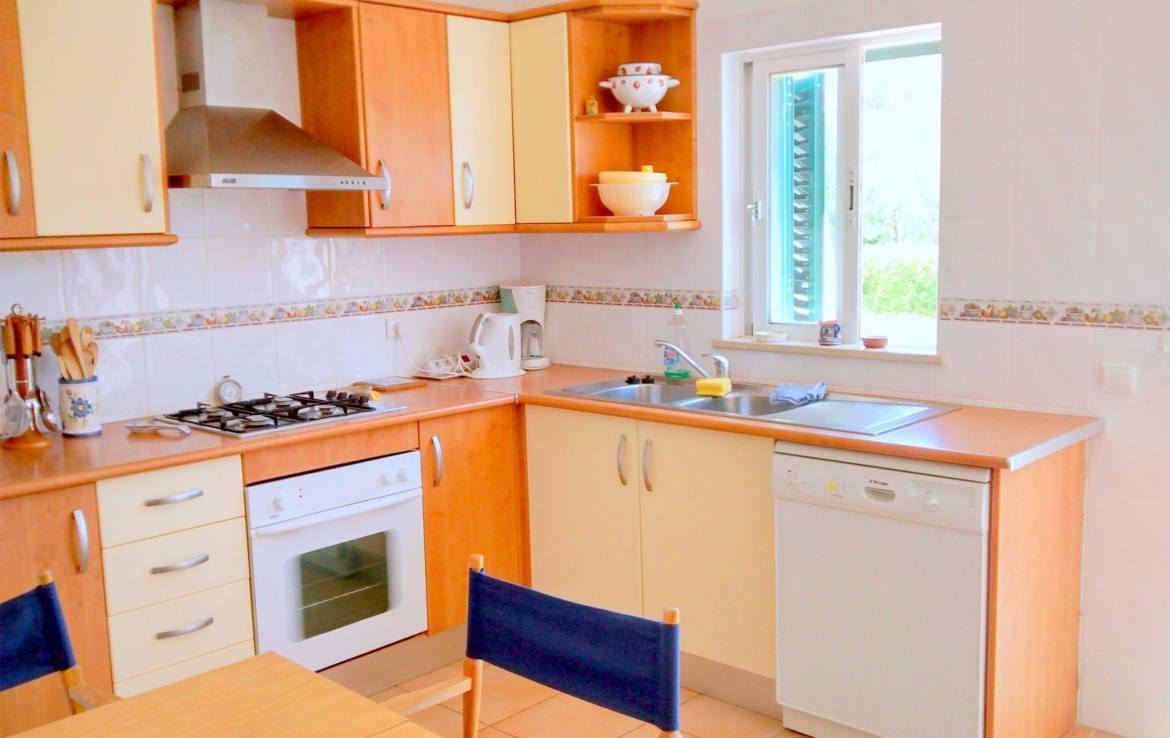 Beautiful 2-bedroom cottage in Luz to rent