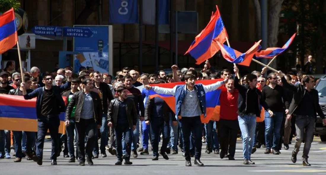 """Arménie : """"Je ne peux rien acheter"""": des habitants d'Erevan crient misère"""