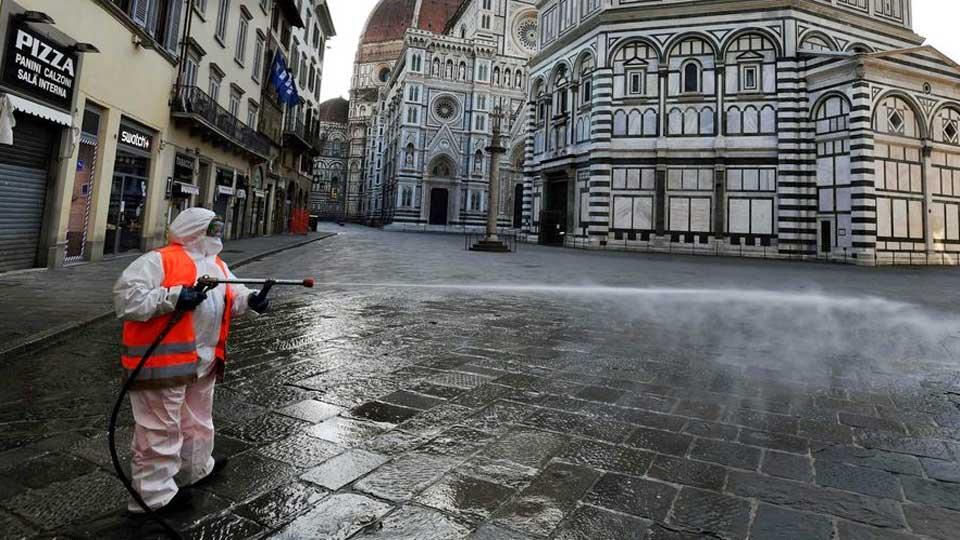 Coronavirus: L'Italie referme ses discothèques, le port du masque obligatoire dans l'espace pubic