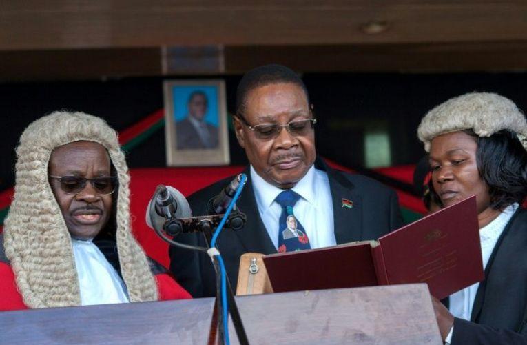 Après l'annulation d'un vote truqué, le président Peter Mutharika tente de s'accrocher au pouvoir