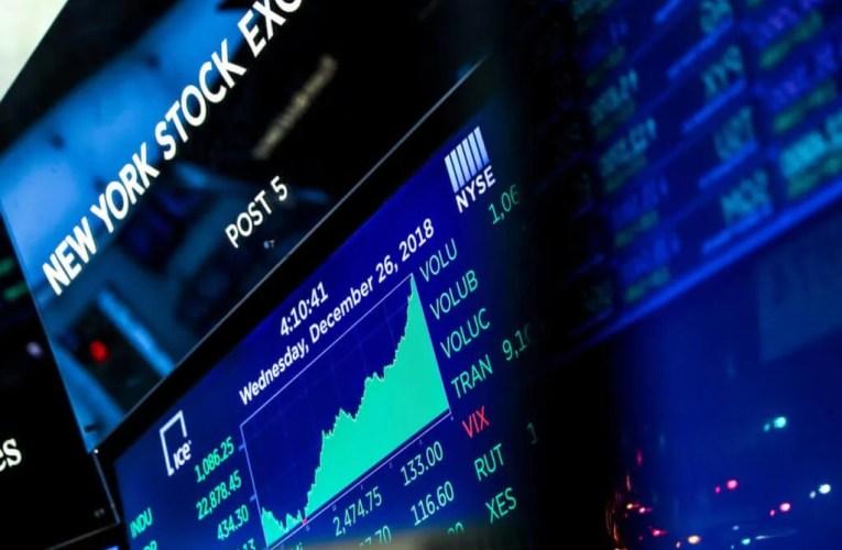 Le Dow augmente de près de 200 points et atteint un record pour clôturer l'année folle de 2020