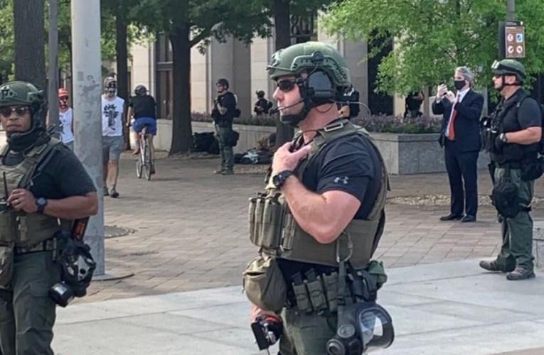 Le complexe du Capitole américain a été verrouillé en raison d'une «menace de sécurité extérieure».