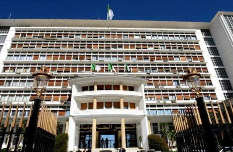 الجزائر- الوزير الأول يقرّر تكييف و تمديد إجراء الحجر الجزئي الـمنزلي