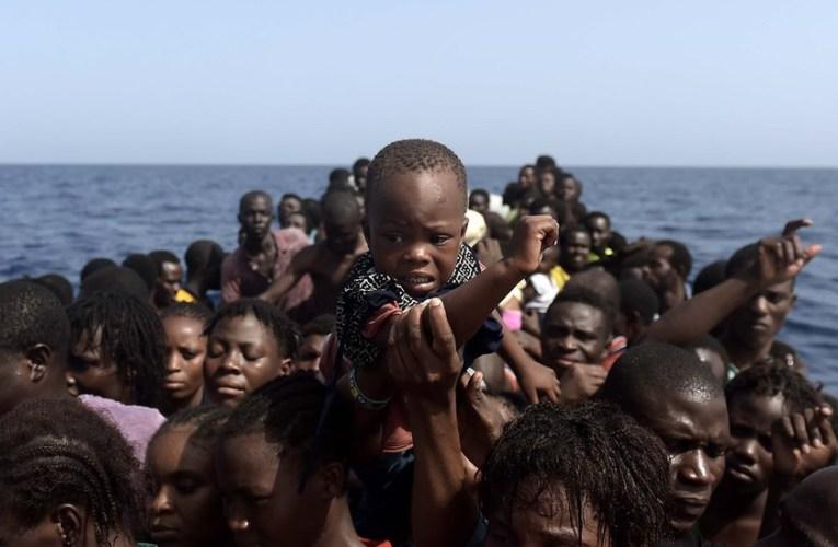 Émigration clandestine: Plus de 100 enfants seuls secourus en essayant de traverser la Méditerranée