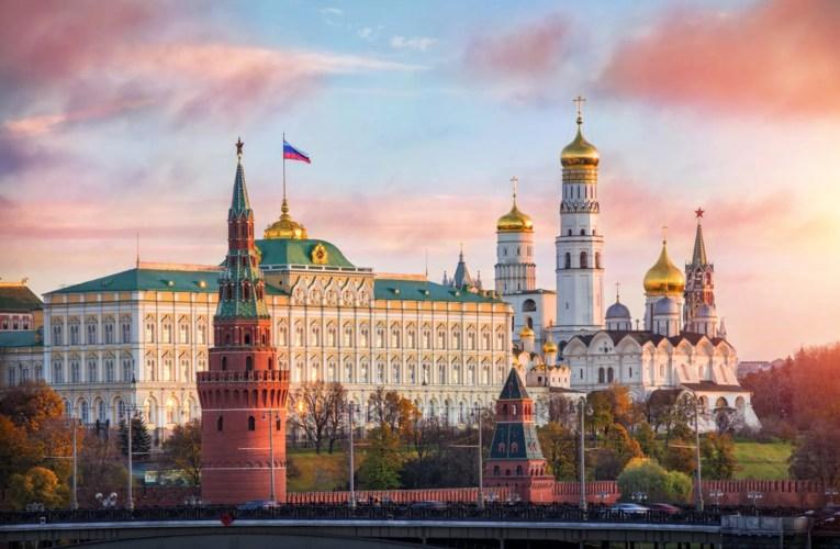 """Le Kremlin: l'expansion de l'OTAN en Ukraine est une """"ligne rouge"""""""