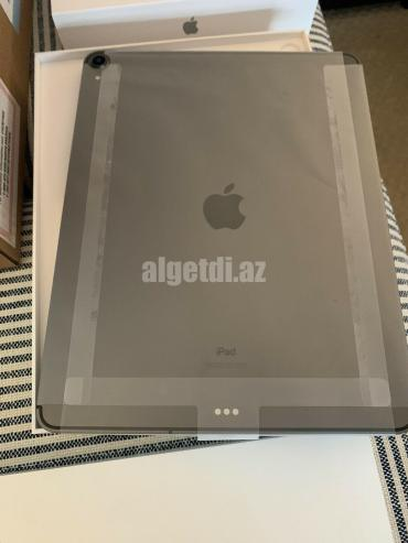 Apple-iPad-Pro-3rd-Gen-256GB-Wi-Fi-4G-_57-4