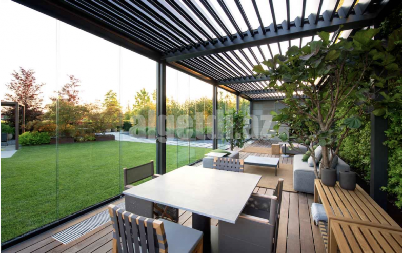 garden-building-pergola-structure-with-roof-and-glass-1024×644-1