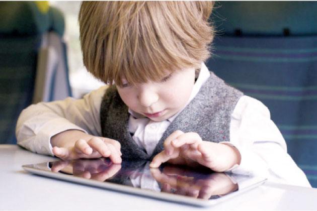مخاطر الأجهزة التكنولوجية على الأطفال Alghad