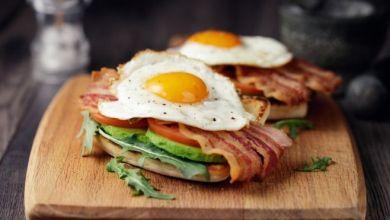 Photo of كم بيضة يجب أن نتناولها يوميا؟