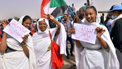 Photo of تجمع المهنيين السودانيين يرفض بيان الجيش ويدعو لمواصلة الاحتجاجات