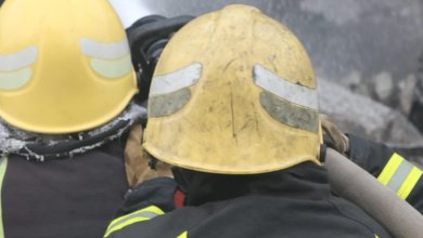 ثلاثة-من كوادر الدفاع المدني-في في حريق مستودع مكتبة- صبيا-1