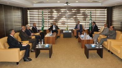"""Photo of اتحاد الجامعات العربية يبحث مع """"الالسكو"""" سبل النهوض بمستوى التعليم العالي"""