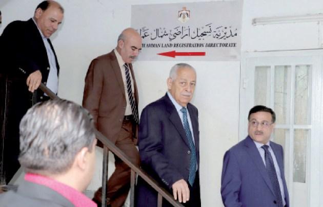 """Photo of العيسوي يؤكد ضرورة العمل لتحسين الوضع العام لـ""""أراضي شمال عمان"""""""