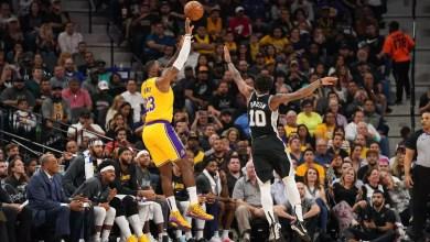 "Photo of 50 نقطة ليانيس وليبرون يبقي ليكرز متصدرا لـ ""NBA"""