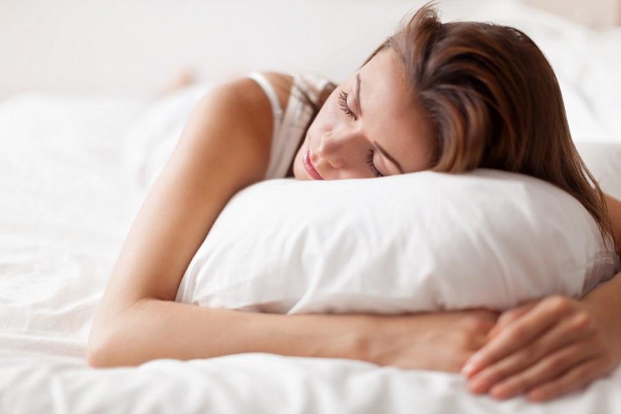 نتيجة بحث الصور عن قلة النوم تضعف عظام النساء