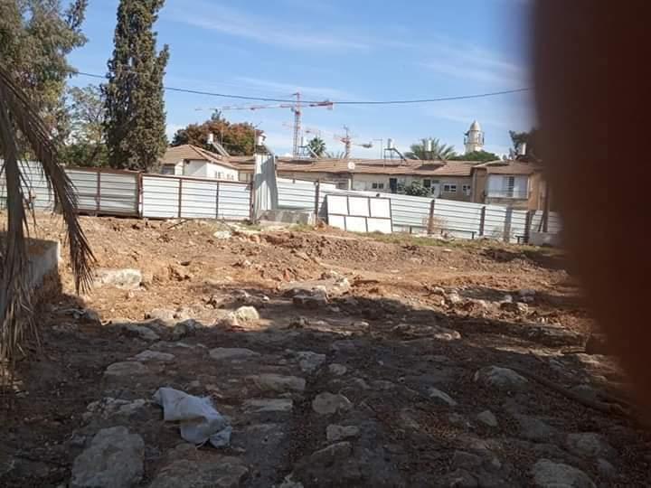 مقبرة بلدة العباسية بعد تعرضها للعبث من قوات الاحتلال الاسرائيلي