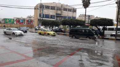 Photo of تجمعات مائية في شوارع إربد تعيق حركة السير- فيديو
