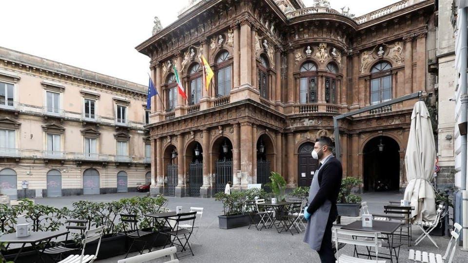 لماذا تسجل أعلى حصيلة وفيات بكورونا في إيطاليا؟