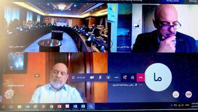 Photo of الرزاز يلتقي ممثلين عن القطاعات الاقتصادية عبر تقنيّة الاتصال المرئي