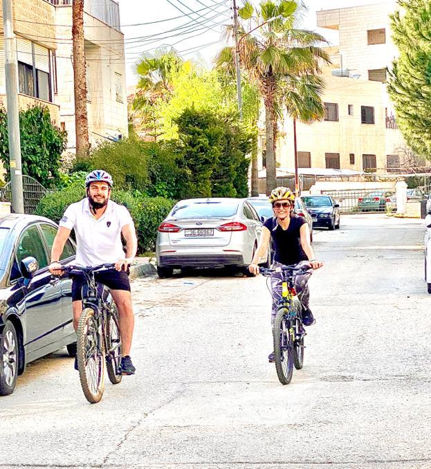 لجأ العديد من الأشخاص مؤخرا لاستخدام الدراجات الهوائية- (من المصدر)