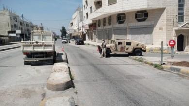 حاجز عسكري كان يتواجد يوم أمس في الحي الشمالي بمدينة إربد-(الغد)