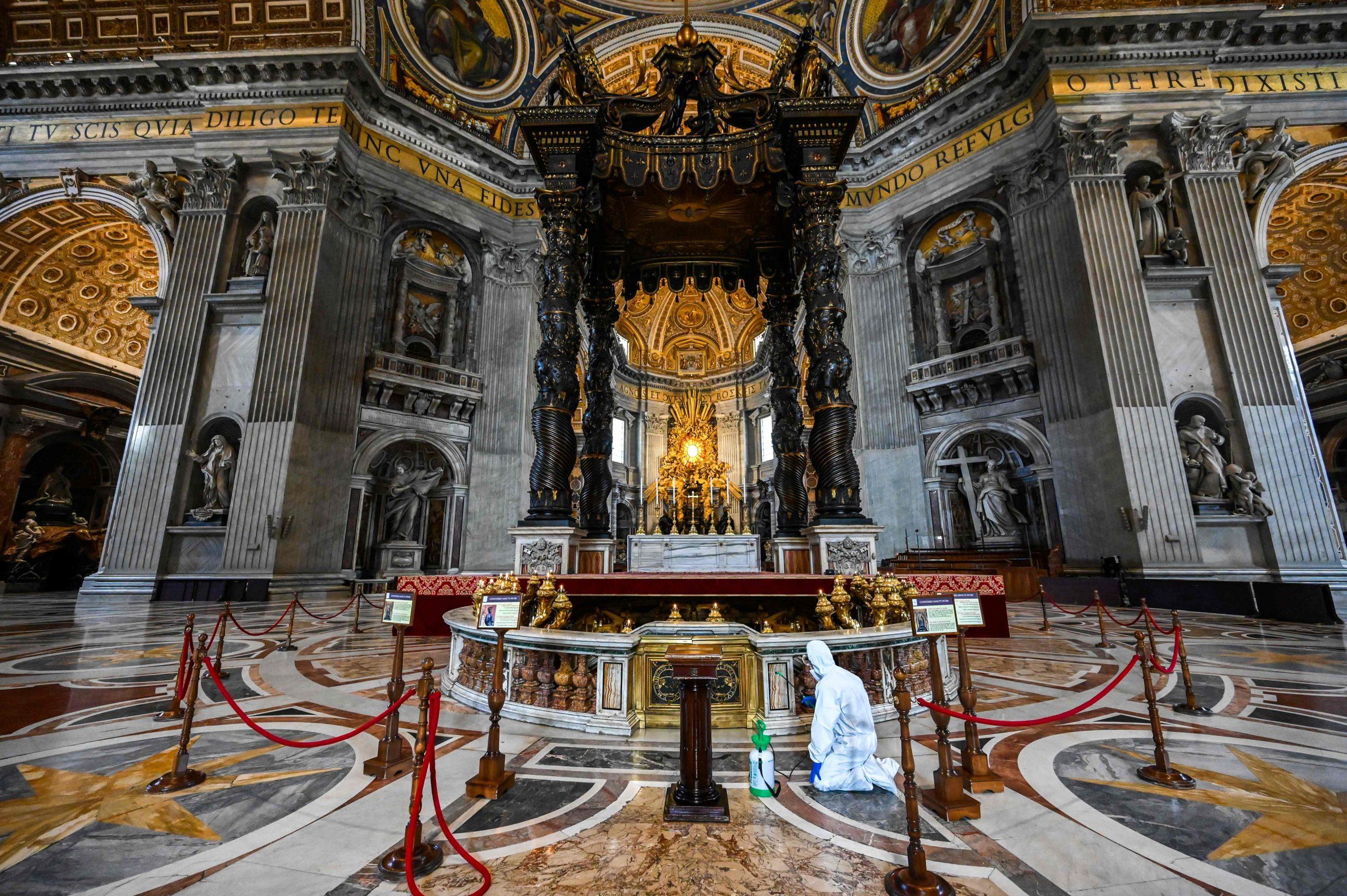 كاتدرائية القديس بطرس تضع للتعقيم قبل فتحها الاثنين المقبل- اف ب