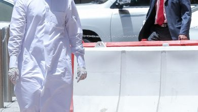 """قرّرت الحكومة القطرية """"إلزام جميع المواطنين والمقيمين عند الخروج من المنزل لأي سبب بارتداء الكمامات- ا ف ب"""