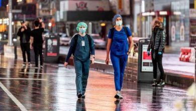 تشير الدراسات إلى أن الارتفاع المستمر في مستويات تلوث الهواء أدى إلى حدوث زيادة كبيرة في عدد الوفيات الناجمة عن الإصابة بفيروس كورونا