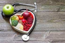 ينبغي زيادة استهلاك كمية الفواكه والخضروات، وتناول وجبات خفيفة من المكسرات والبذور