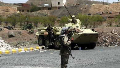 Photo of مقتل 7 في هجوم صاروخي على قاعدة للجيش اليمني في مأرب