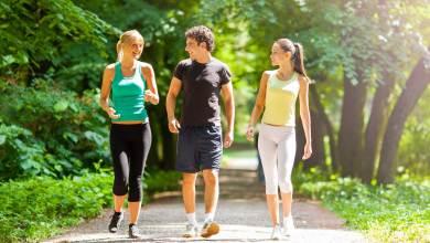 Photo of كيف يحسن المشي صحتك؟