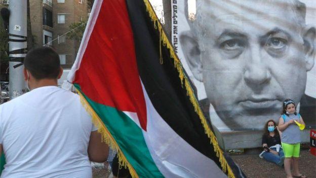 "Photo of الغارديان: ""ضم إسرائيل مناطق في الضفة الغربية غير قانوني وغير حكيم وغير أخلاقي"""