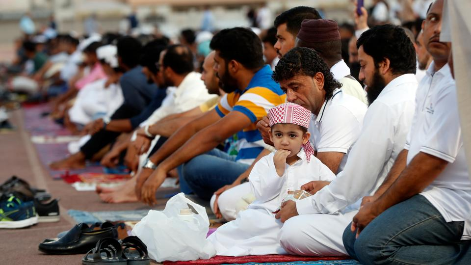 دول عربية تمنع صلاة العيد في المساجد والساحات -(Rt)